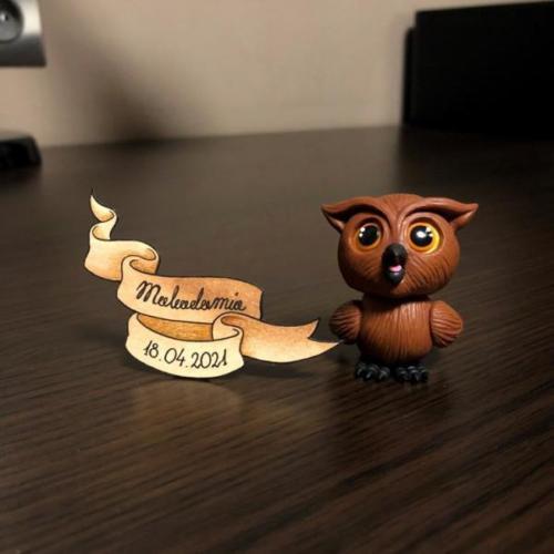 Omniscient Owl by Makadamia (Bona)
